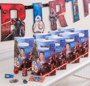 Star Wars 7 The Force Awakens Basic Favor Kit for 8 Guests