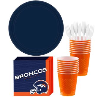 Denver Broncos Basic Party Kit for 18 Guests