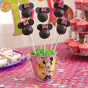 Minnie Mouse Doughnut Hole Pops How To