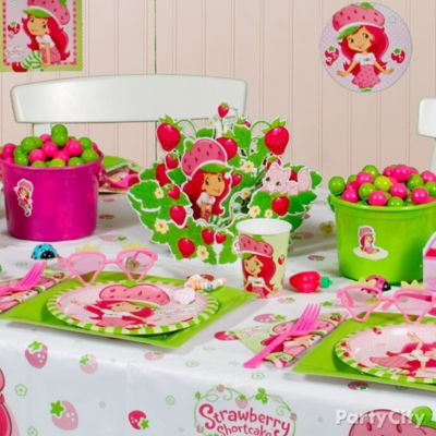 Strawberry Shortcake Party Table Idea