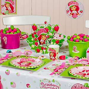 Strawberry Shortcake Party Table Idea