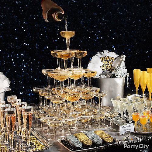 NYE Champagne Tower Table - Party City
