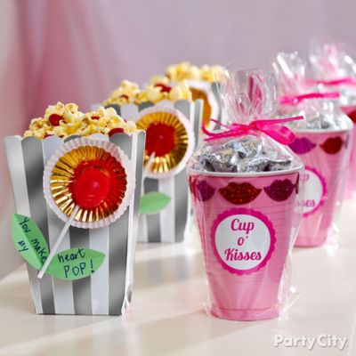 DIY Valentines Day Treat Favors Idea