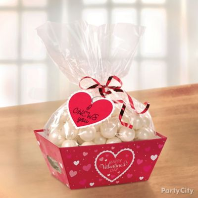 Valentine's Day Candy Favors Idea