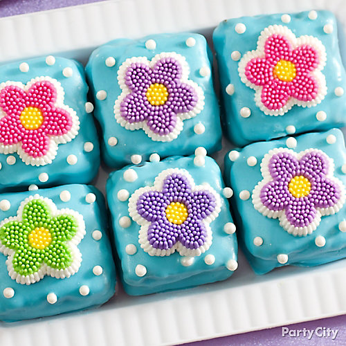 Easter Candy-Dipped Daisy Brownies Idea