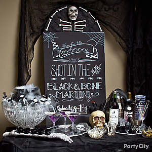 Halloween Cocktails Table Idea
