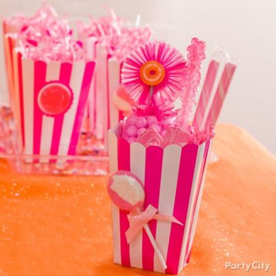 Pink Candy Favor Boxes Idea