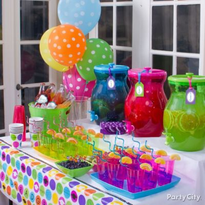 Colorful and Fruity Drinks Table Idea