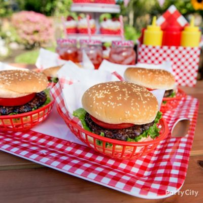 Outdoor bbq buffet table idea gingham picnic food and for Table burger