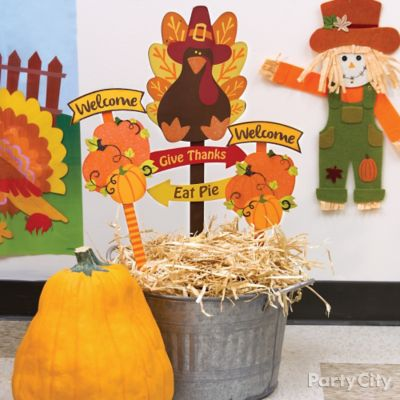 Fall Harvest Sign Decorating Idea