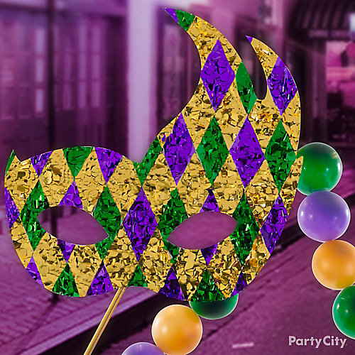 Mardi Gras Float Mask Idea