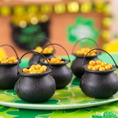 St. Patricks Day Pots O' Gold Idea