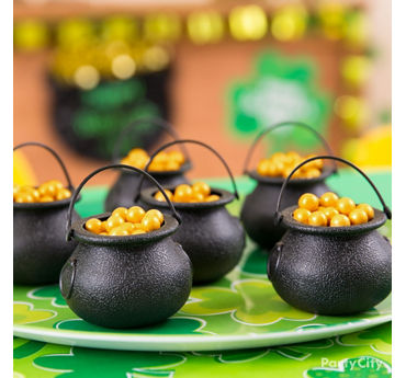 St. Patricks Day Pots O' Gold Idea