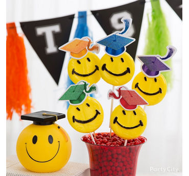 Kids Graduation Smiley Lollipop Idea