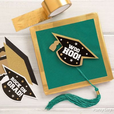 Gold and Green WooHoo Grad Cap DIY