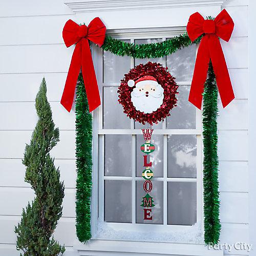 Jolly Window Hanging Decor Idea