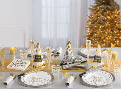 White and Gold New Year's Eve Ideas