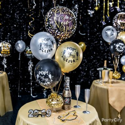 Glam Balloon Centerpiece Idea