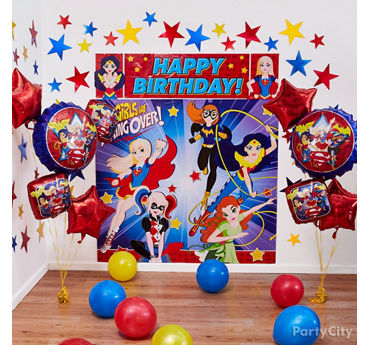 DC Super Hero Girls Scene Setter Decorating Idea