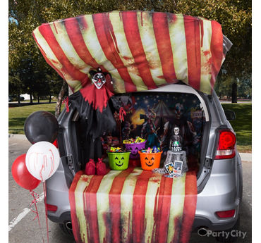Creepy Carnival Trunk or Treat Idea