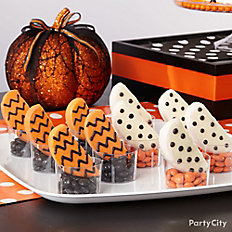 Modern Halloween Chevron and Dot Candy Apple Slices