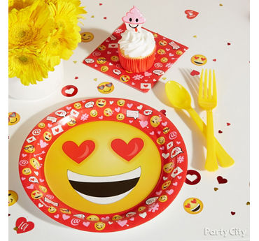Smiley Valentines Party Plate Idea