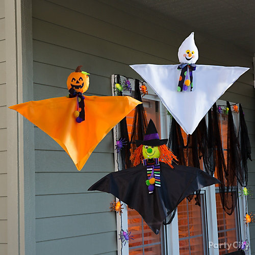Little Friends Porch Decorating Idea