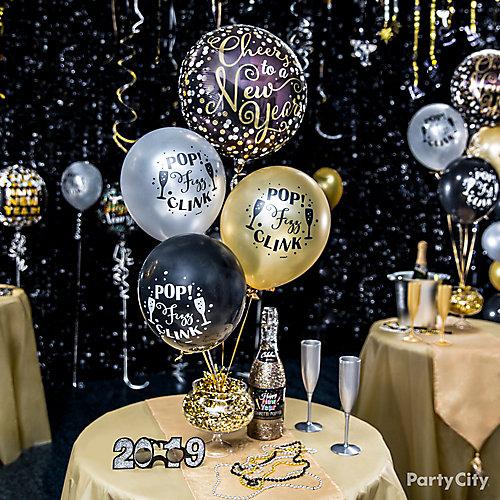 Glam Balloon Centerpiece Idea
