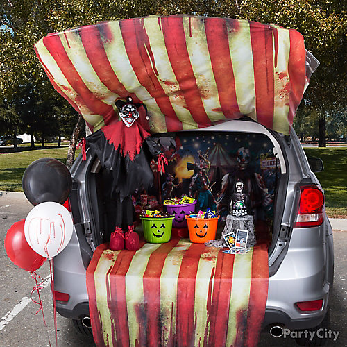 Creepy Carnival Trunk or Treat Idea