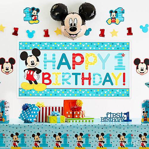 Mickey Mouse Gift Table Idea