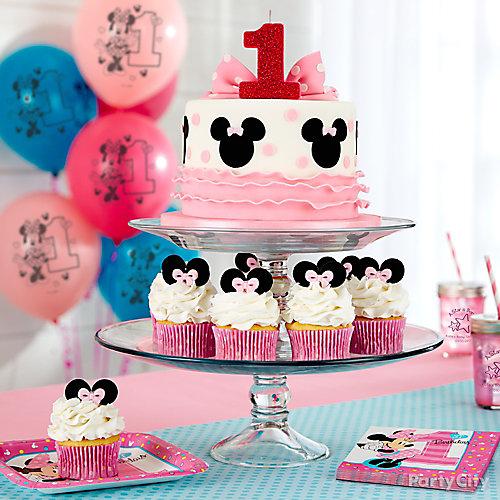 Minnie Mouse Cake and Cupcakes Idea